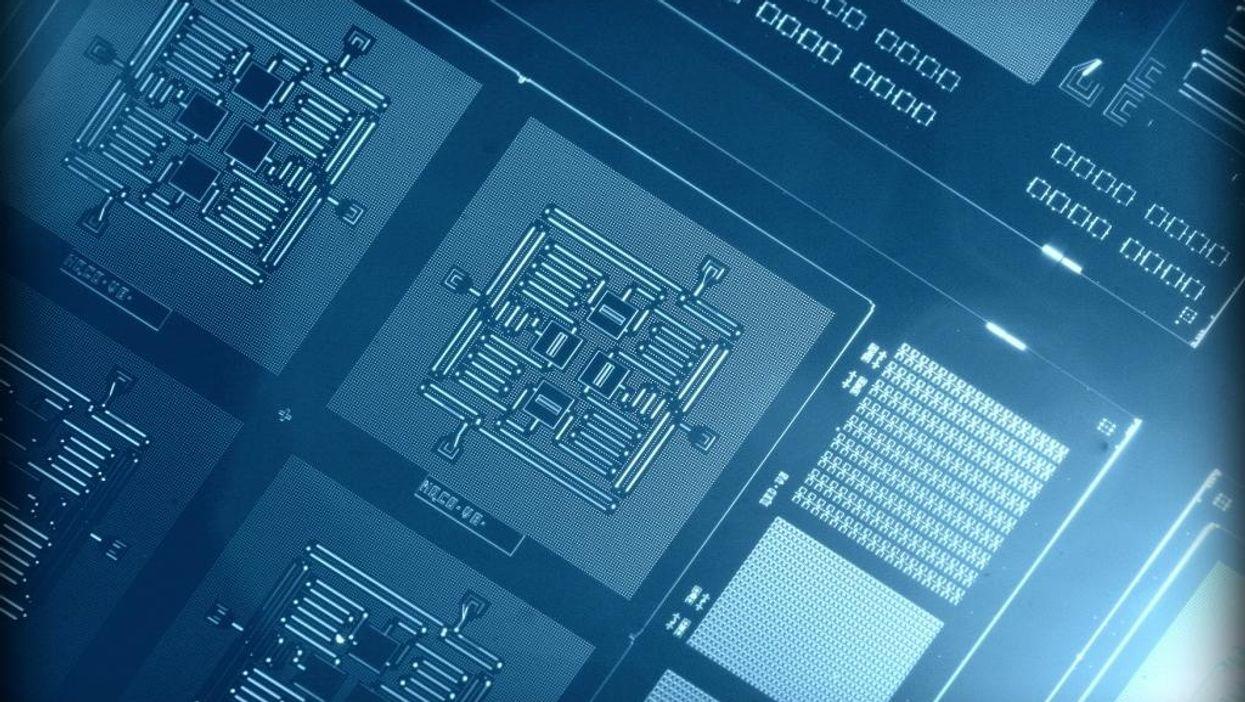 A 4-qubit quantum chip