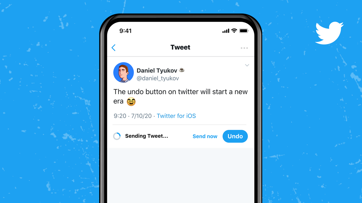 Twitter's new Undo Tweet button in action