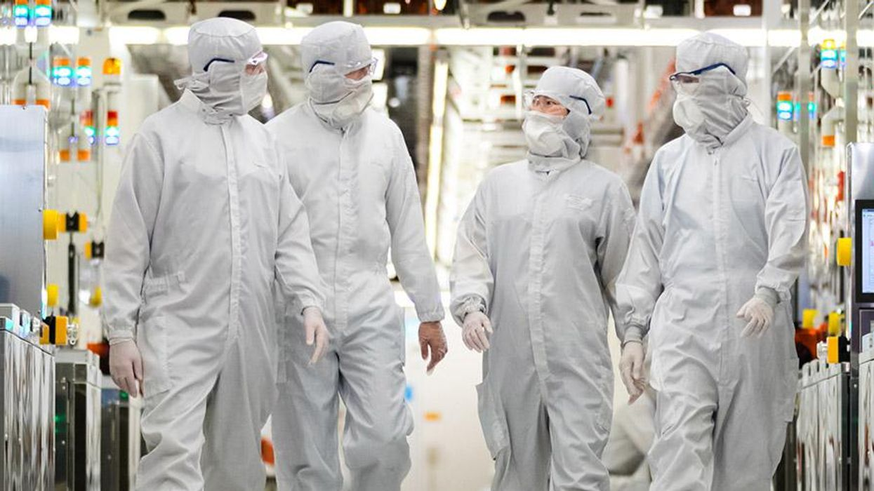 Inside 1α — the world's most advanced DRAM process technology