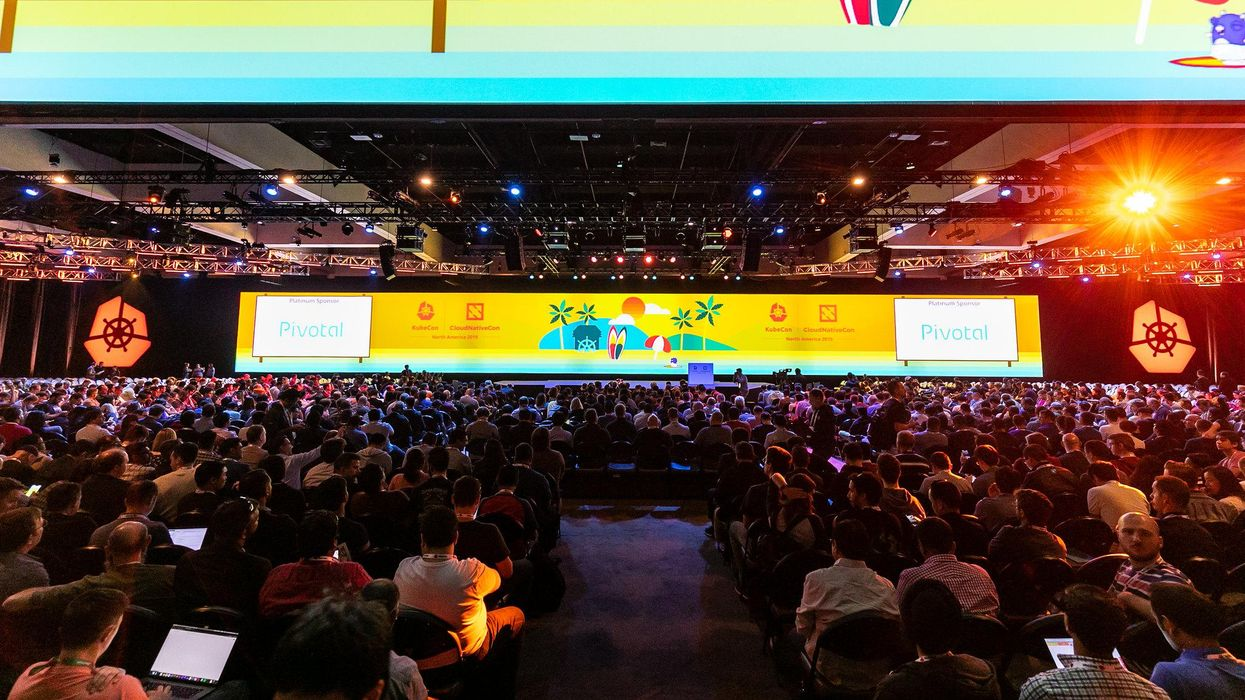 keynote crowd for Kubecon 2019 in San Diego
