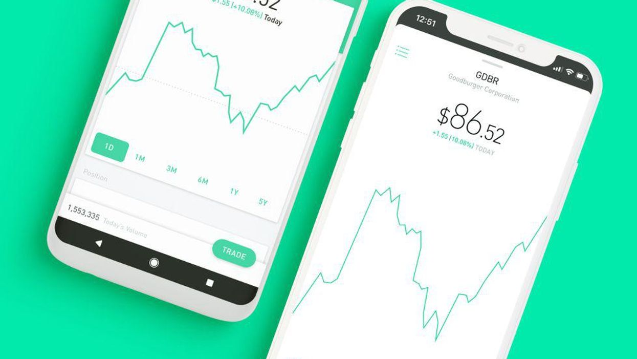 On its way to the public markets, Robinhood is bolstering its board of directors.
