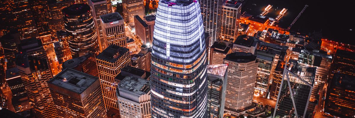 salesforce tower at night in san francisco