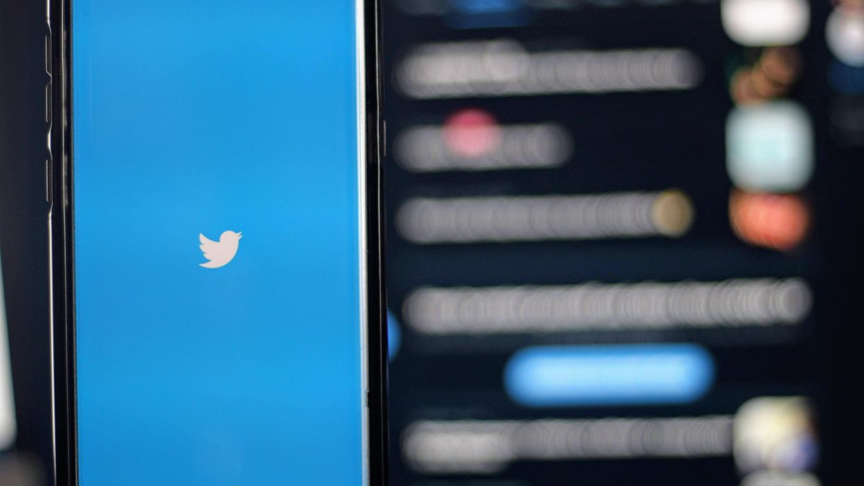 Twitter will prompt users to reconsider their tweets when they post offensive replies.