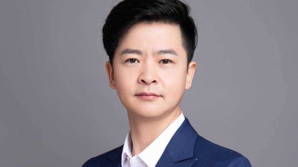 A portrait photograph of Zhang Jie, the CEO of Mabang.